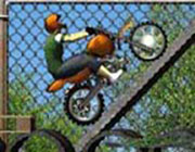 Play Construction Yard Bike on Play26.COM